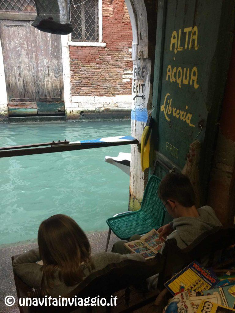 libreria-acqua-alta-a-venezia