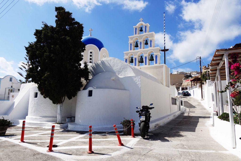 chiesa-di-akrotiri-santorini